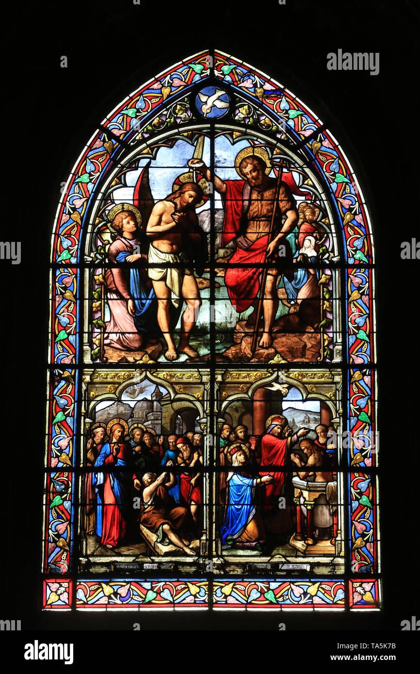 Baptême de Jésus-Christ. Vitrail. Eglise Saint-Nizier de Lyon. Christus Taufe. Glasfenster. Kirche Saint-Nizier. Lyon. Stockbild