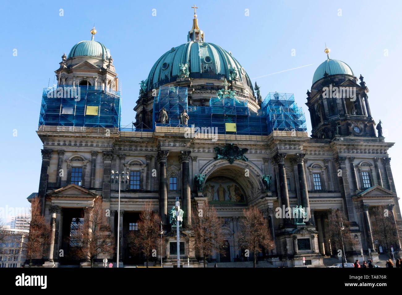 Berliner Dom - Berlin ist heute eine sehr coole und inspirierende Stadt. Seine Mischung aus Geschichte, Kunst, Ausdruck, Kreativität und Modernität machen es einzigartig. om Stockbild