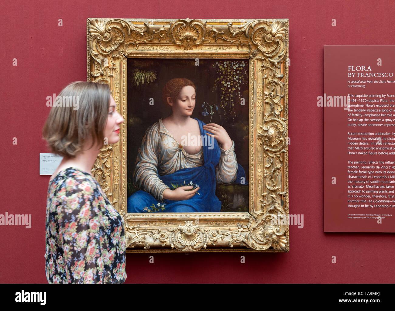 National Gallery, London, UK. 23. Mai 2019. Leonardo's Legacy: Francesco Melzi und der Leonardeschi Ausstellung. Die National Gallery ist der 500. Geburtstag von Leonardo da Vinci's Tod mit einer Anzeige bei der Präsentation der außergewöhnlichen Darlehen von den kürzlich restaurierten Flora (ca. 1520) von Francesco Melzi aus der Eremitage, St. Petersburg. Dies ist das erste Mal das Gemälde in der UK gesehen worden ist und zum ersten Mal außerhalb Russlands zu sehen ist seit seiner Restaurierung. Credit: Malcolm Park/Alamy Leben Nachrichten. Credit: Malcolm Park/Alamy leben Nachrichten Stockbild