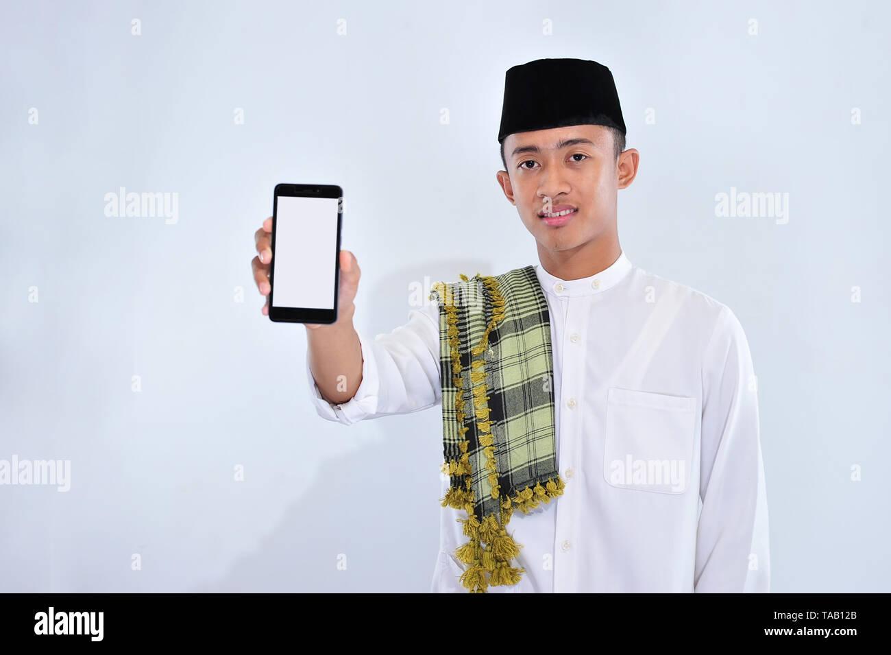 Weißer Kerl aus muslim Mädchen Wie man jemanden auf einer Dating-Website findet