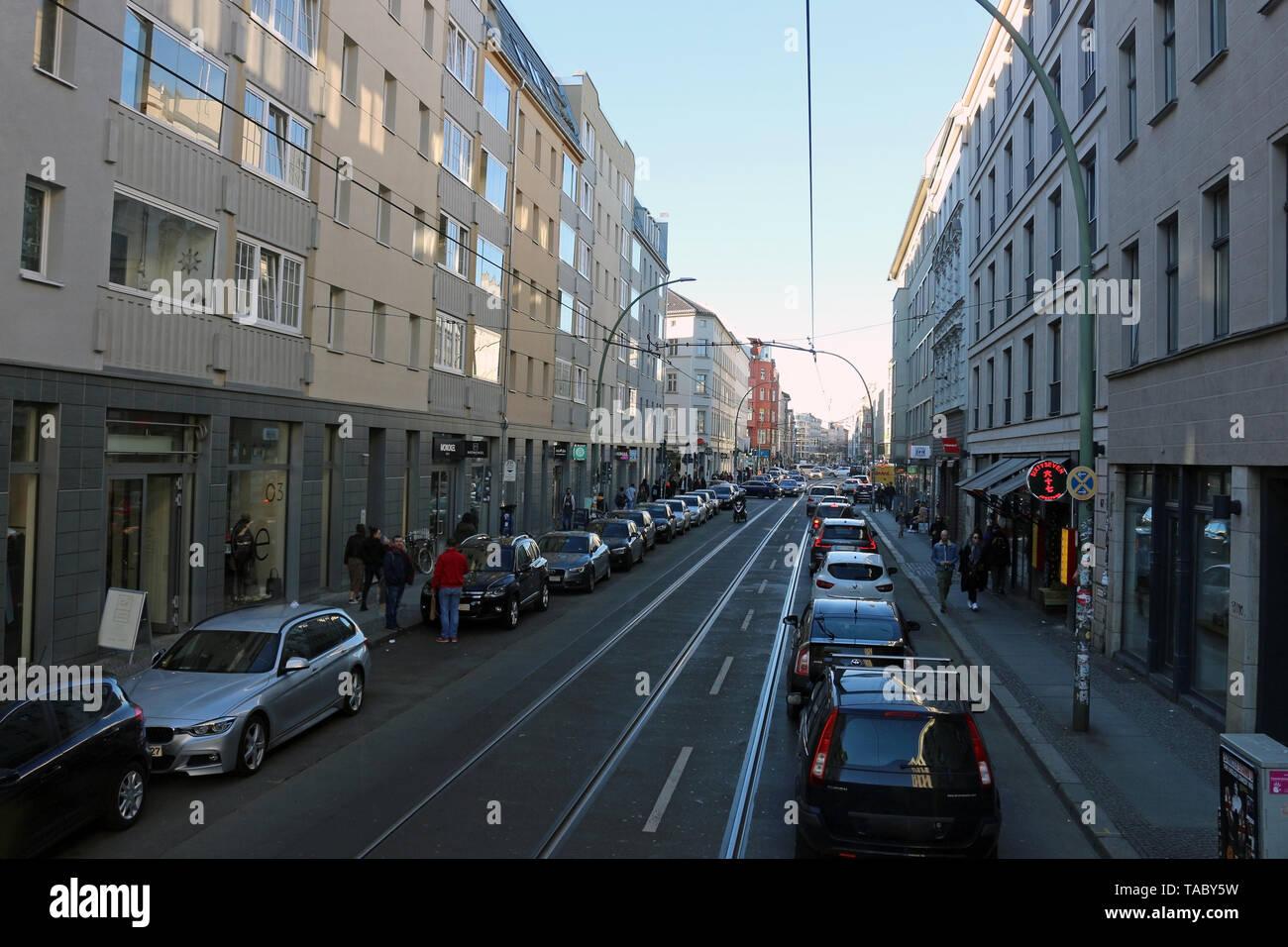 Durch die Straßen von Berlin. Berlin ist heute eine sehr coole und inspirierende Stadt. Seine Mischung aus Geschichte, Kunst, Ausdruck, Kreativität und Modernität. Stockbild