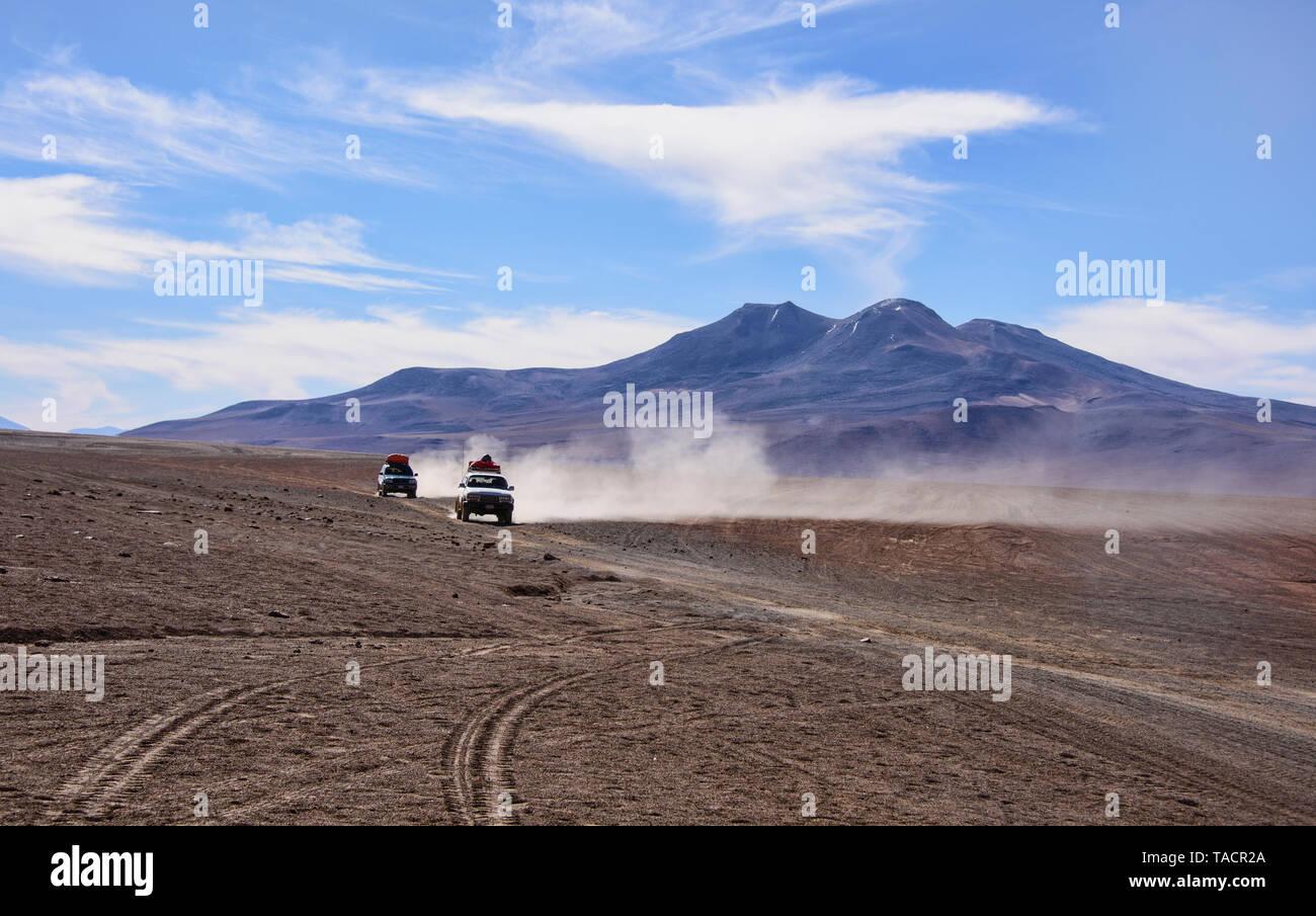 Off Road Touren auf den Salzebenen von Salar de Uyuni, Bolivien Stockfoto