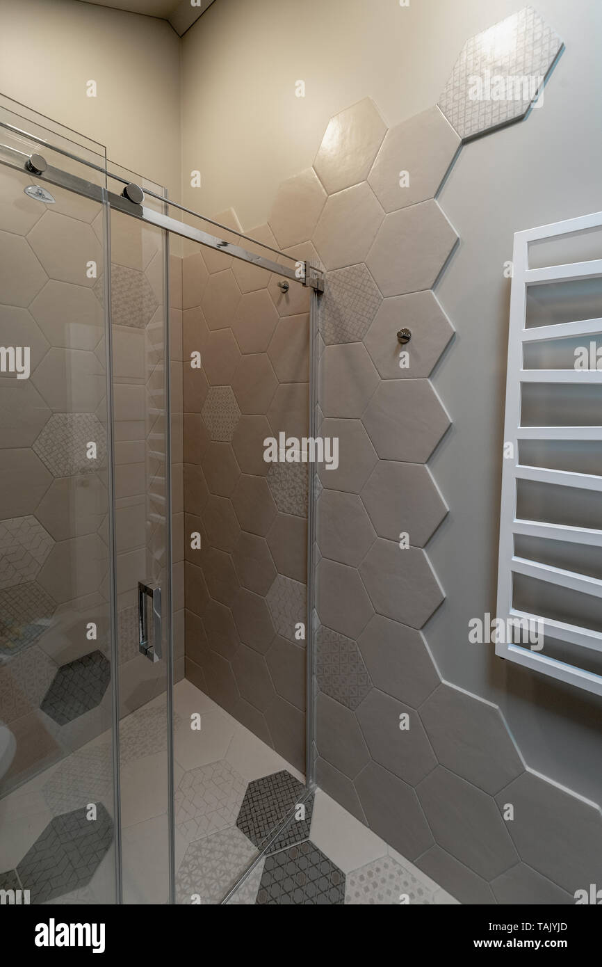 Towel Radiator Stockfotos & Towel Radiator Bilder - Alamy