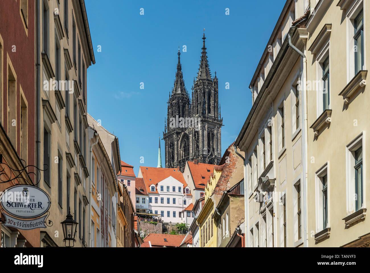 Blick durch die Burgstraße (Straße Schloss) zum Dom zu Meißen, Sachsen, Deutschland, Europa Stockbild