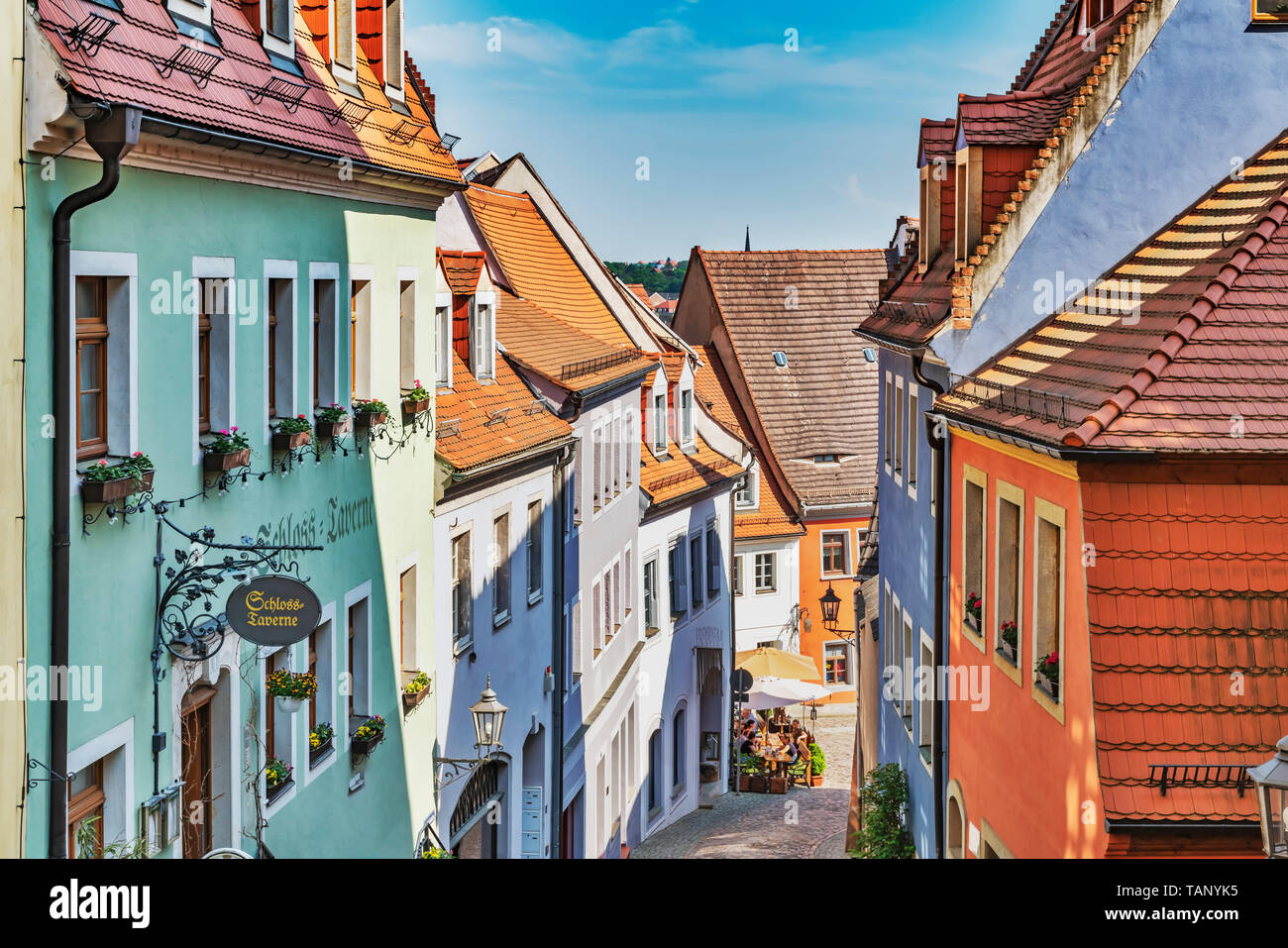 Ansicht aus der Gasse Rot Schritte um die Ecke Burgstraße (Schloss Straße)/Schlossberg (Burg) in Meißen, Sachsen, Deutschland, Europa Stockbild
