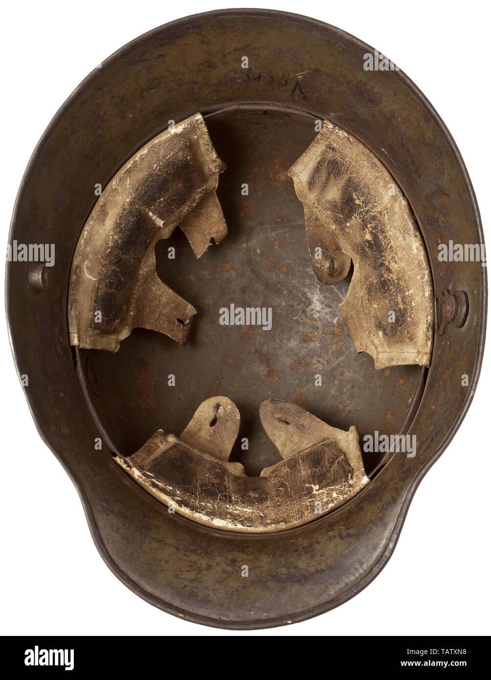 Schutzkleidung, Helme, deutschen Stahlhelm M16, Interieur, Editorial-Use - Nur Stockbild