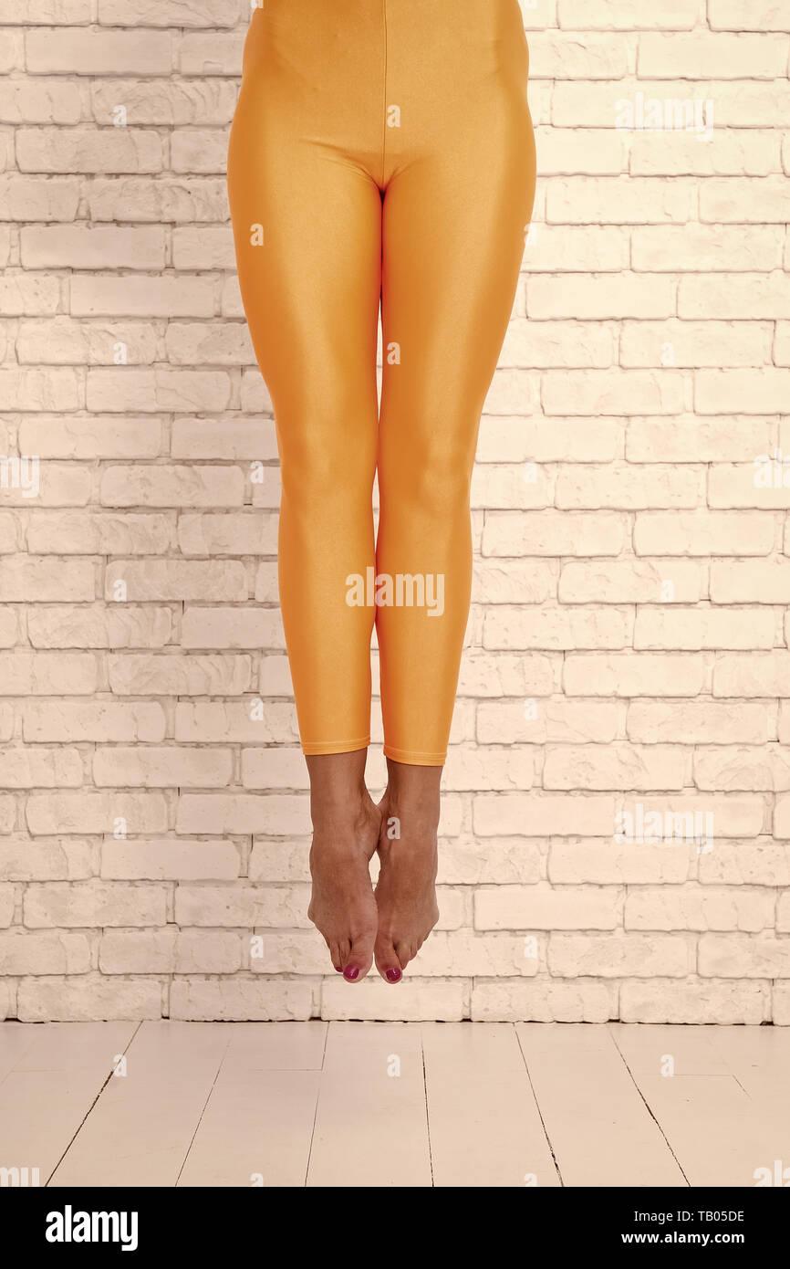 Beine Verbogen Stockfotos Beine Verbogen Bilder Alamy