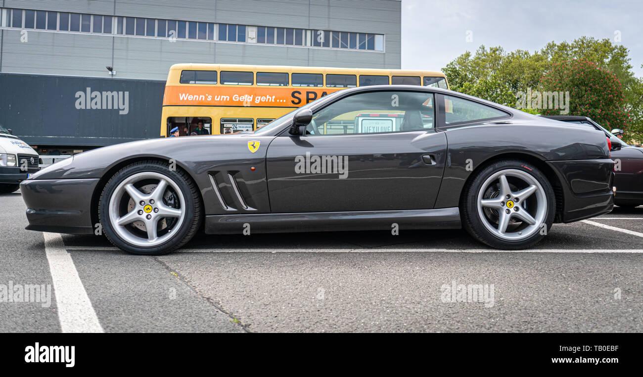 Ferrari 575 Maranello Stockfotos Und Bilder Kaufen Alamy