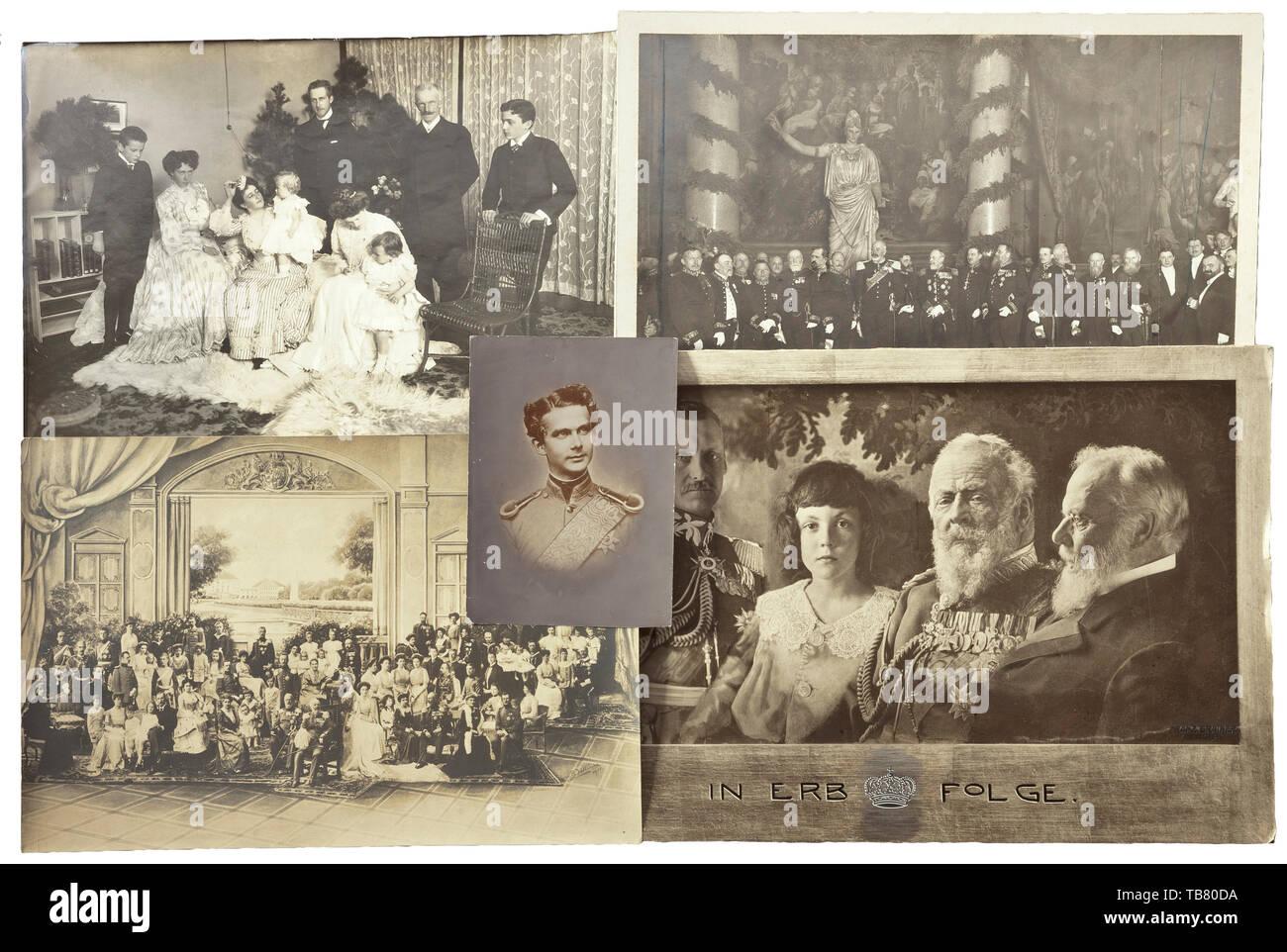 Haus der Wittelsbacher - eigenes Portrait Bilder von Familienmitgliedern, ca. 1880 - 1930, ein umfangreiches privates Archiv von Ca. 160 Bilder von einem Mitglied des bayerischen Königshauses. Eine Vielzahl von Erinnerungsfotos und portraitstudien von fast jedem Familienmitglied aus der albertinischen und Leopoldine Branchen sowie der herzoglichen Linien, zusammen mit einigen München architektonische Blick von der Elvira, Percy Hein und Franz Grainer Fotostudios. Familie Bilder gehören Prinzregent Luitpold (1821 - 1912) und sein Sohn König Ludwig III. (1845 - 1921), Kronprinz, Additional-Rights - Clearance-Info - Not-Available Stockbild