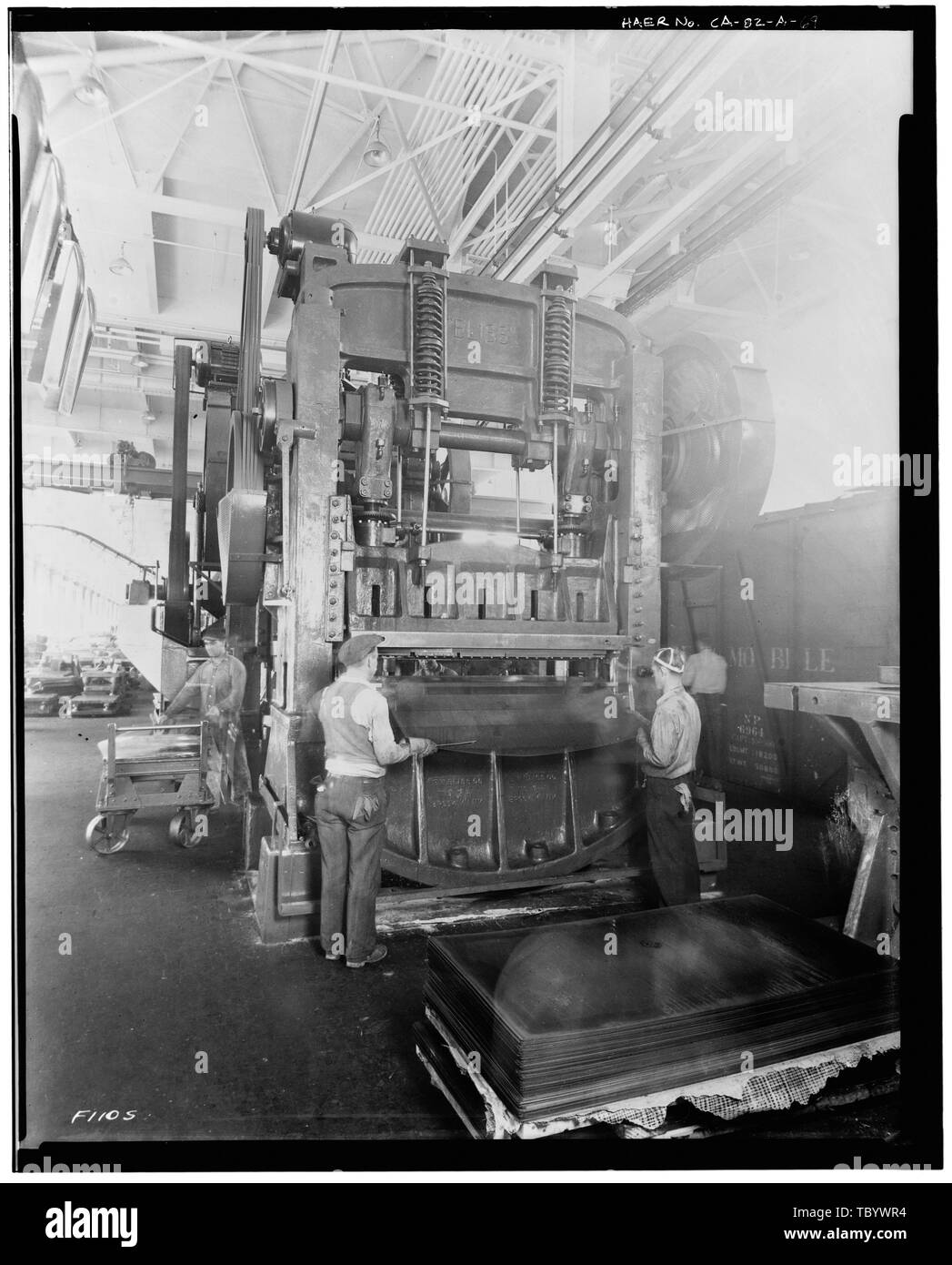 Neg. Nr. F110 S, Apr 24, 1931 INTERIORPRESSED STAHLBAU, STAHL MASCHINEN Ford Motor Company Long Beach Montagewerk, Assembly Building, 700 Henry Ford Avenue, Long Beach, Los Angeles County, CA Stockbild