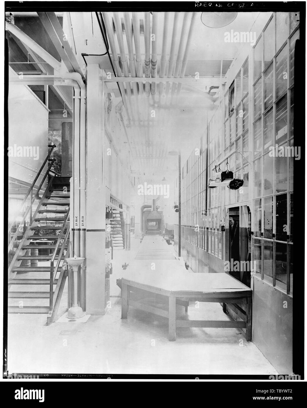 Neg. Nr. F 58, Apr 13, 1930, Gebäude, INTERIORASSEMBLY BURNOFF, LADEN ENDE Emaille-ofen Ford Motor Company Long Beach Montagewerk, Assembly Building, 700 Henry Ford Avenue, Long Beach, Los Angeles County, CA Stockbild