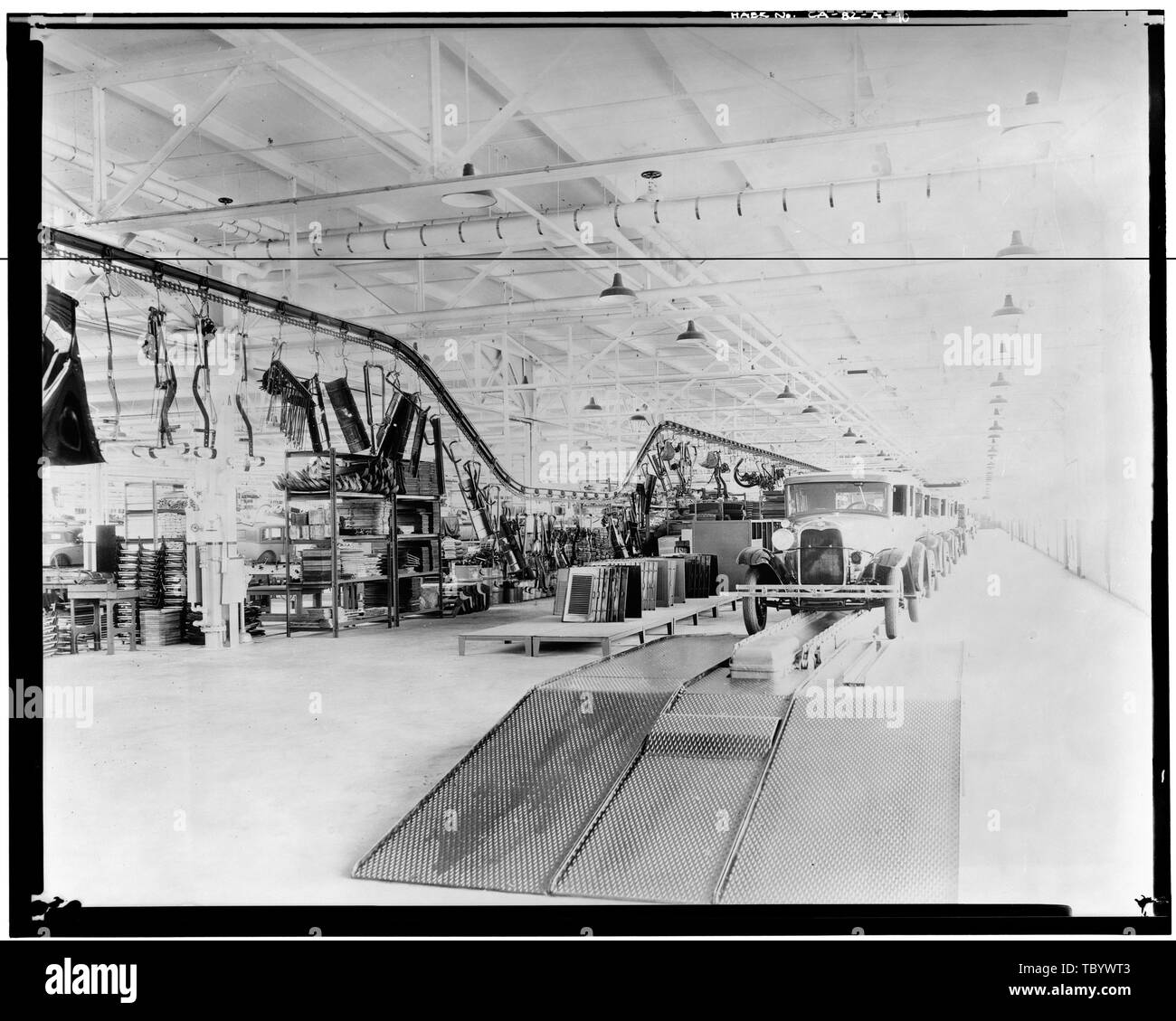 Neg. Nr. F59A, 13 Apr, 1930 INTERIORASSEMBLY GEBÄUDE, CHASSIS LINE, Blick nach Süden die Ford Motor Company Long Beach Montagewerk, Assembly Building, 700 Henry Ford Avenue, Long Beach, Los Angeles County, CA Stockbild