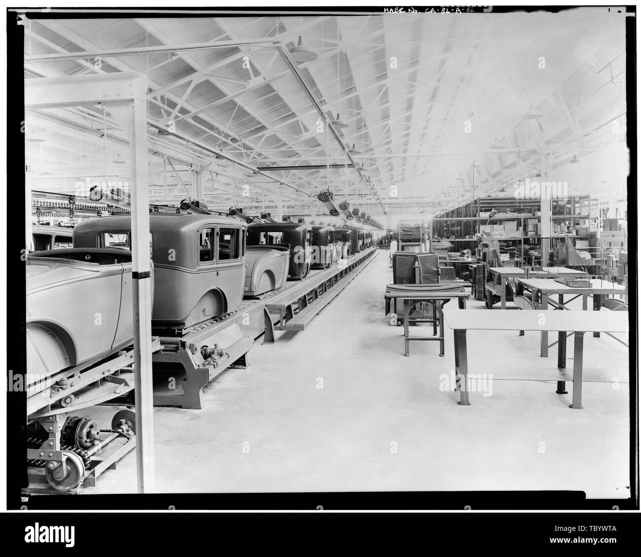 Neg. Nr. F66A, 13 Apr, 1930 INTERIORASSEMBLY GEBÄUDE, TRIM LINE UND GLAS ABTEILUNGEN Ford Motor Company Long Beach Montagewerk, Assembly Building, 700 Henry Ford Avenue, Long Beach, Los Angeles County, CA Stockbild