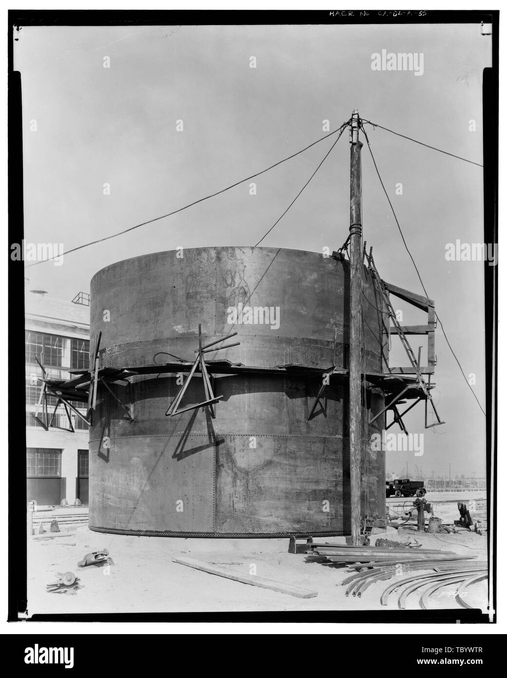 Neg. Nr. F99D, Dec 27, 1931 EXTERIORPRESSED STAHLBAU, EAST SIDE, DAS ÄUSSERE DES BONDERITE TANK Ford Motor Company Long Beach Montagewerk, Assembly Building, 700 Henry Ford Avenue, Long Beach, Los Angeles County, CA Stockbild