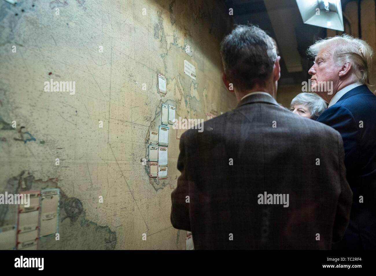 London, Großbritannien. 04 Juni, 2019. Us-Präsident Donald Trump und Ausgehende britische Premierminister Theresa May Tour die Churchill War Rooms Juni 4, 2019 in London, England. Credit: Planetpix/Alamy leben Nachrichten Stockfoto