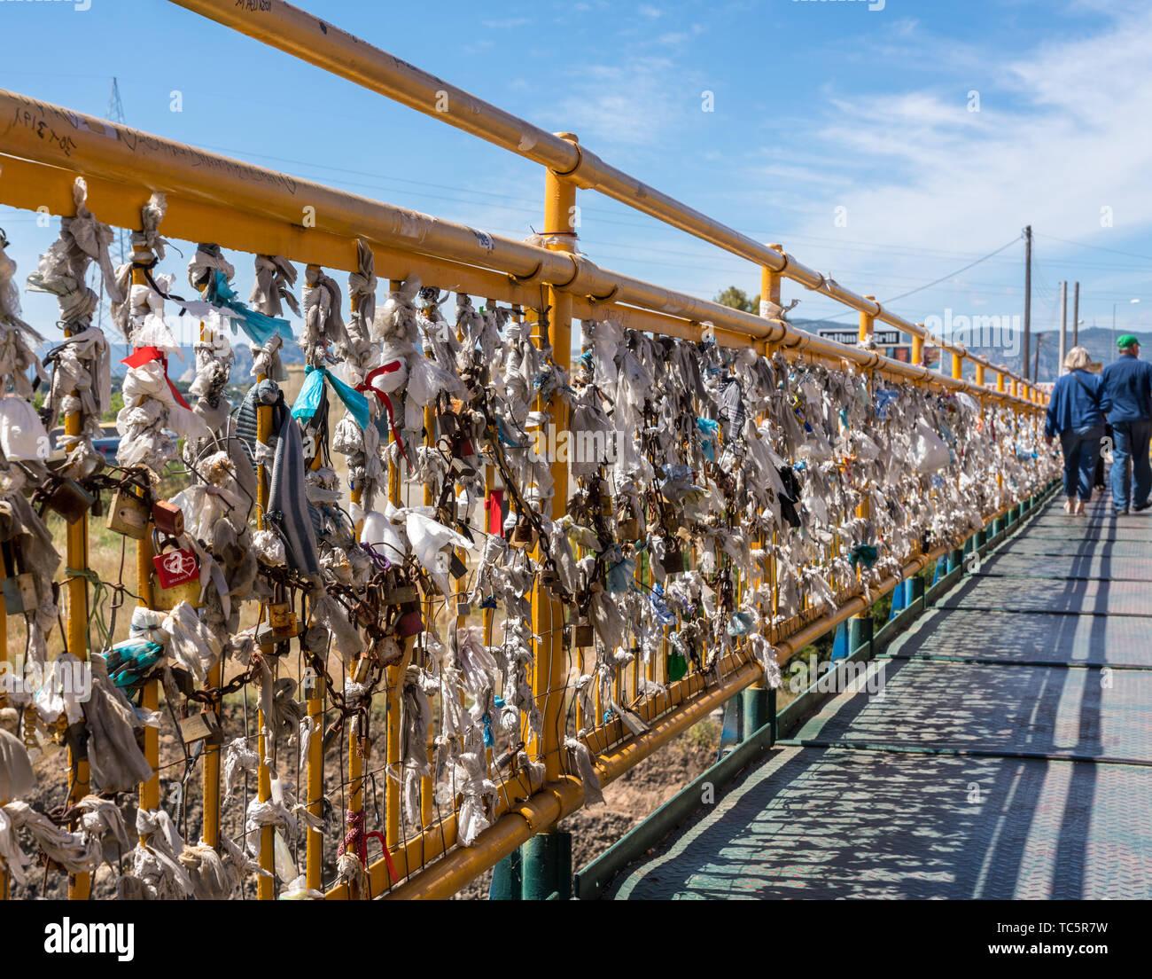 Liebevolle Schlosser Der Brucke Uber Den Kanal Von Korinth