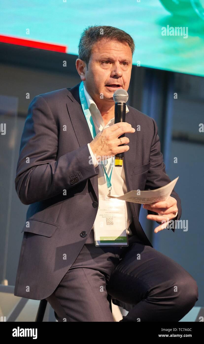 Jose Antonio Santano, Bürgermeister von Irun, Feria Mobilität Ausstellung, Baskisch nachhaltige Mobilität und Speicherung von Energie in der Industrie, Ficoba, Irun, Gipuzkoa, Stockbild