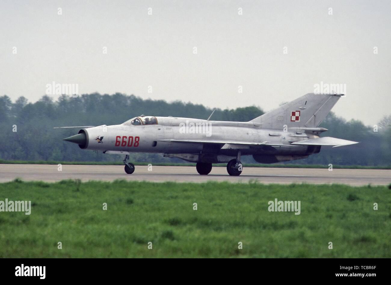 Polnischen Luftfahrt, 1 Jagdflugzeug Regiment 'Warschau', sowjetischer Bauart Mig 21 Flugzeuge Stockfoto