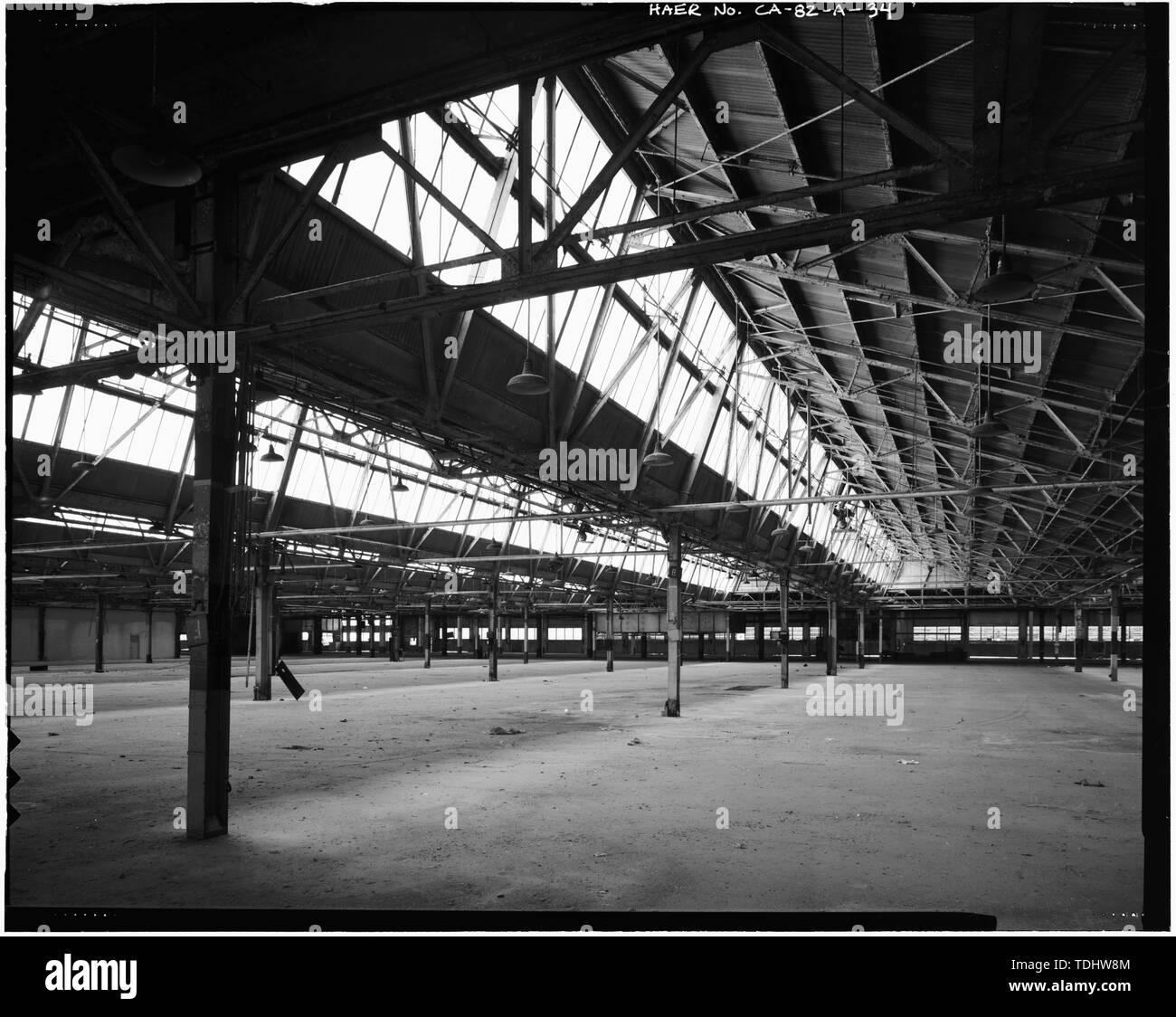 Übersicht nach Ost-NORDÖSTLICH DER MONTAGE. - Ford Motor Company Long Beach Montagewerk, Assembly Building, 700 Henry Ford Avenue, Long Beach, Los Angeles County, CA Stockbild