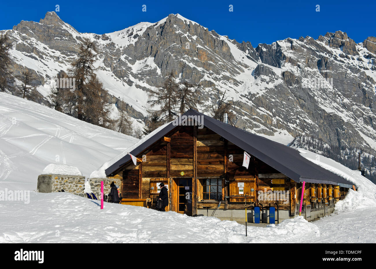 Mountain Inn Loutze im Winter, Ovronnaz, Wallis, Schweiz Stockbild
