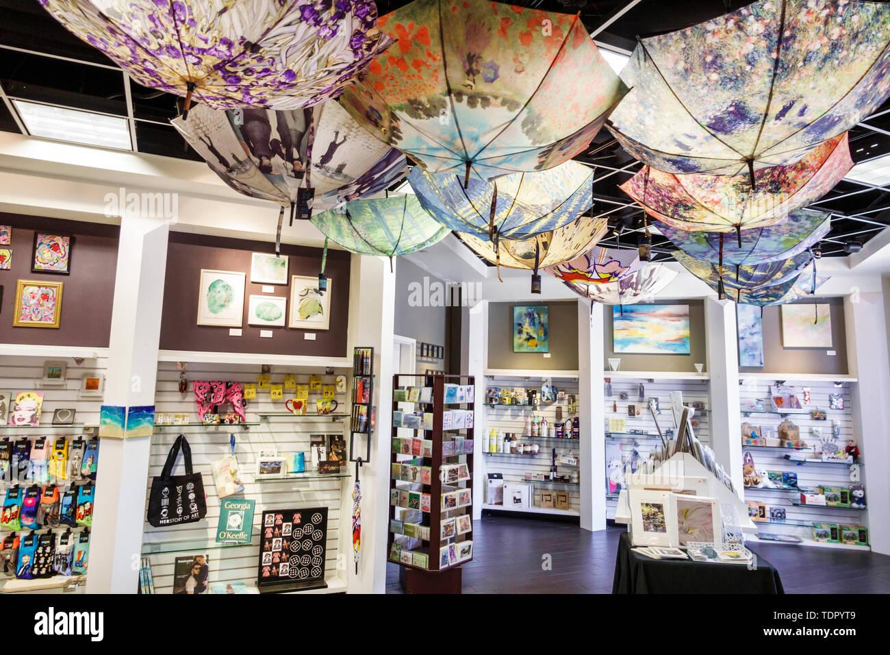Orlando Florida Museum Store Shop - Verkauf Anzeige Sonnenschirme Stockfoto