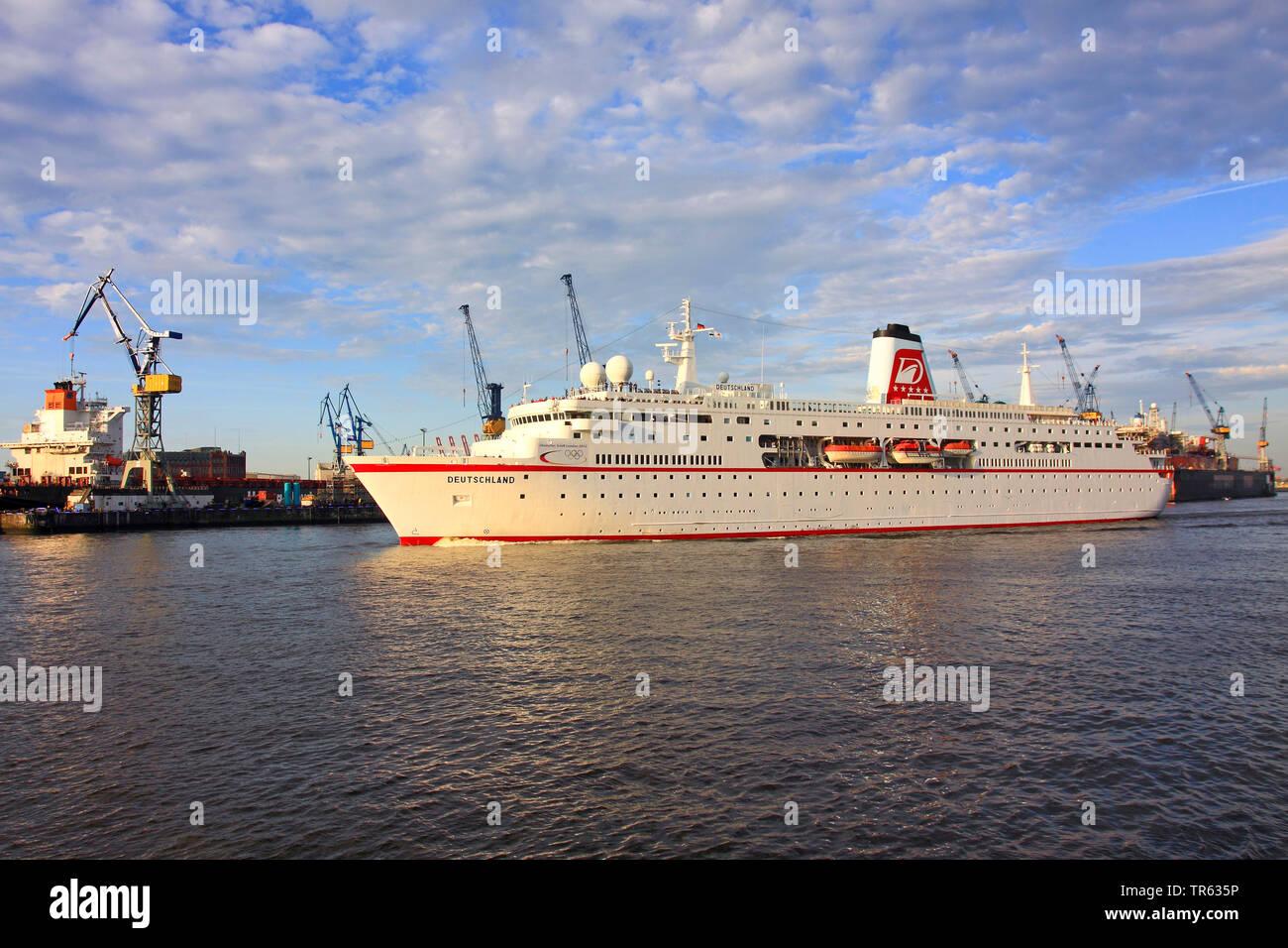 Cruisser Deutschland im Hafen von Hamburg, Deutschland, Hamburg Stockbild