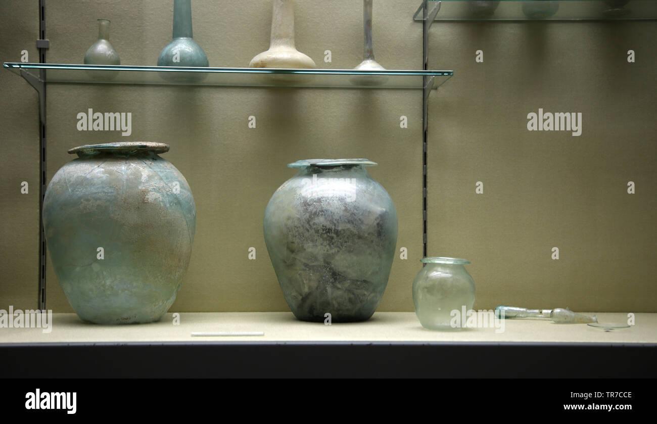 Römische Glas.. Das archäologische Museum von Sevilla. Andalusien. Spanien. Stockbild