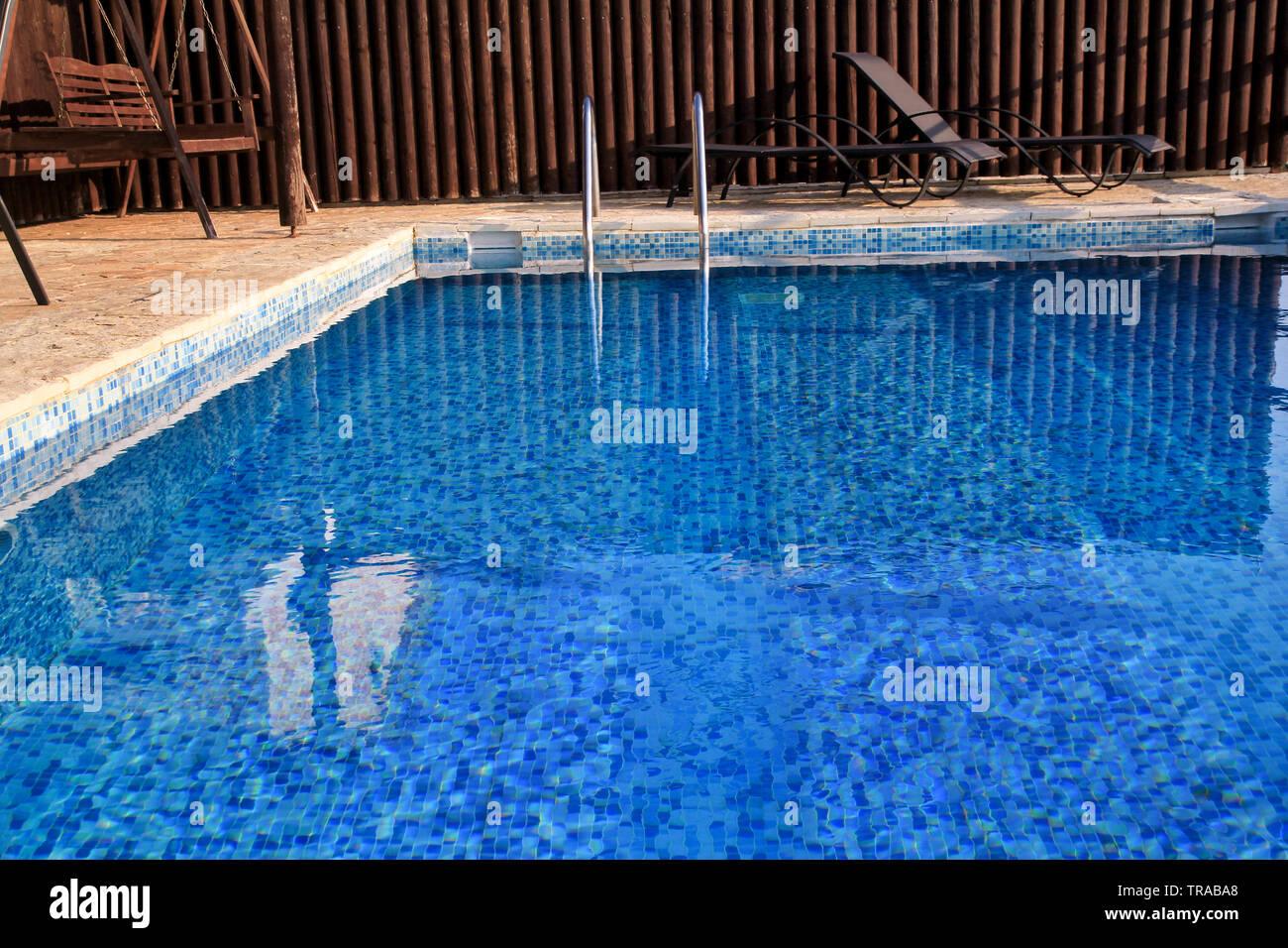 Pool Design moderne Architektur von Luxus Ferienvilla. In ...