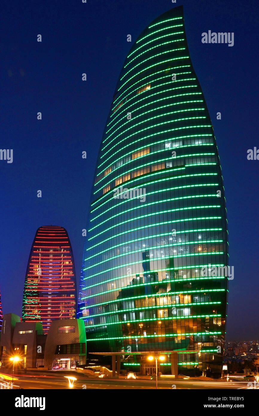 Beleuchtete Flamme Türme bei Nacht, Aserbaidschan, Baku   beleuchtete Flamme Türme in der Nacht, Aserbaidschan, Baku   BLWS 522479.jpg [(c) Blickwinkel/McPHO Stockbild