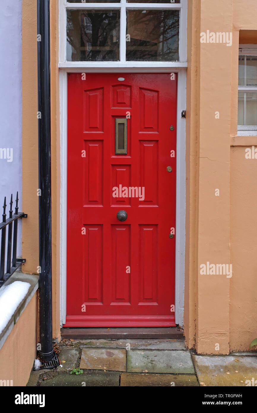 Rote Tür Home Eingang mit Oberlicht Fenster Stockfoto, Bild ...