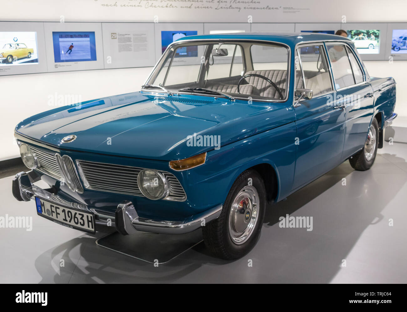München, Deutschland - deutsche Autos sind unter den Technologisch voraus in der Welt und weltweit berühmt. Hier insbesondere das BMW Museum Stockbild
