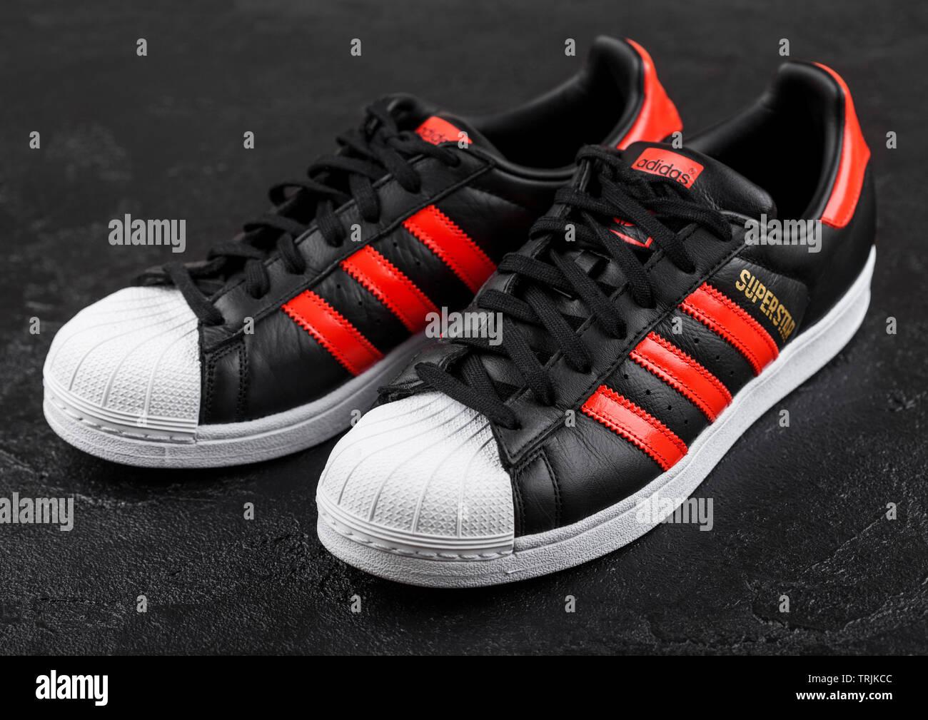 Adidas Stripes Stockfotos & Adidas Stripes Bilder Seite 3