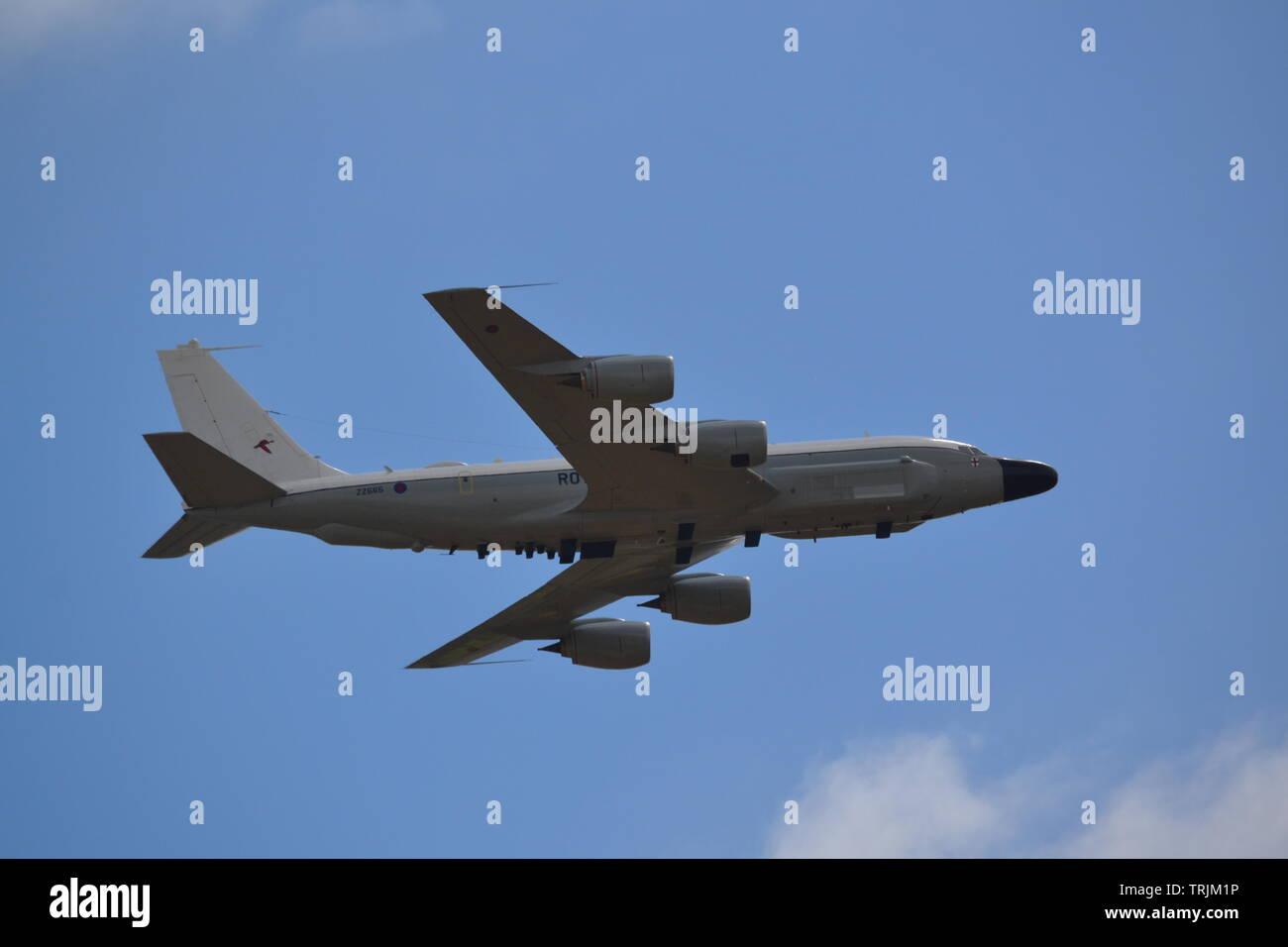 RC-235 W-Nietverbindung-RAF 100-militärischen Flypast - Juli 2018 Stockbild