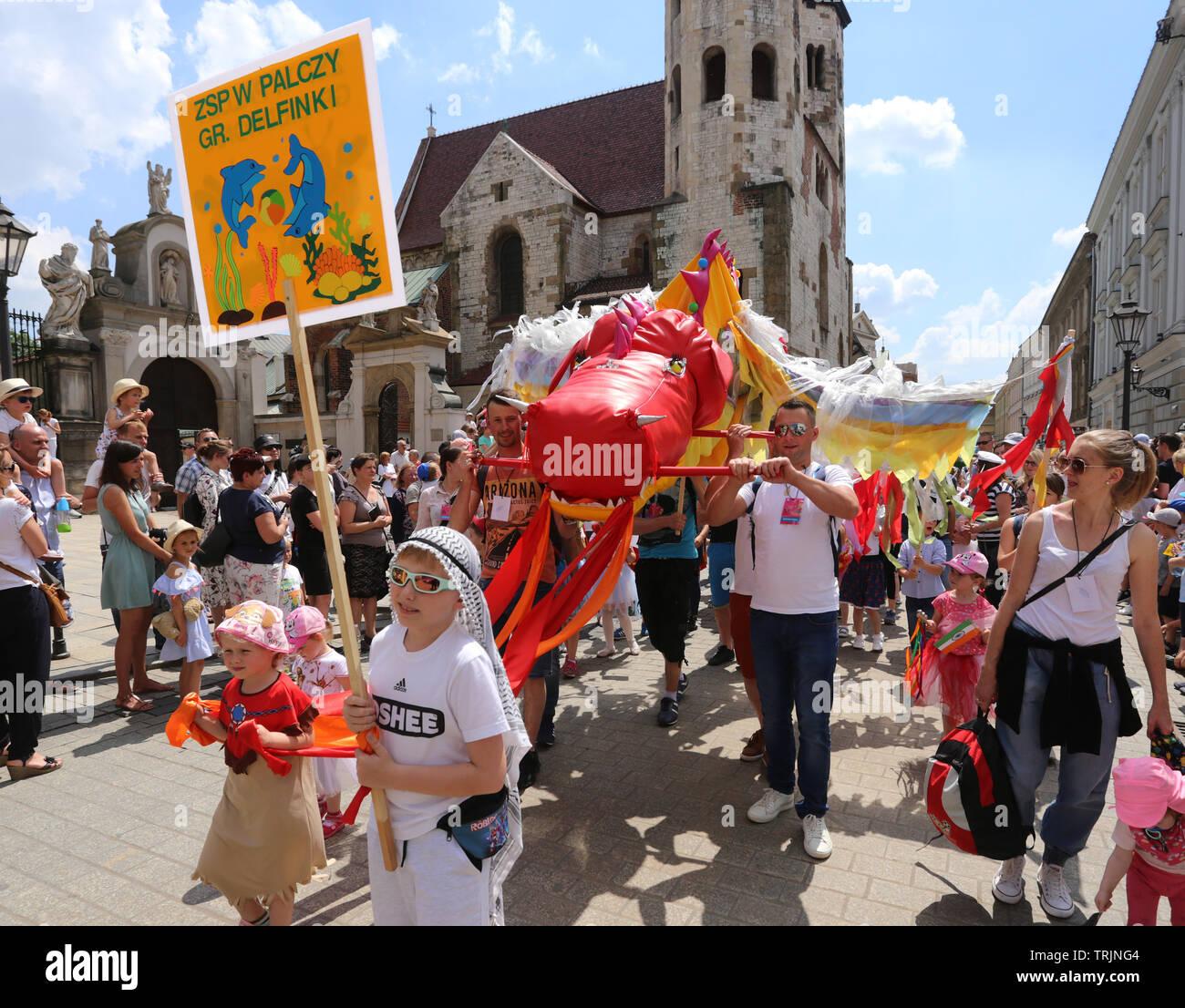 Krakau. Krakau. Polen. Drachen Parade, die jährliche Veranstaltung im Zentrum der Altstadt. Stockbild