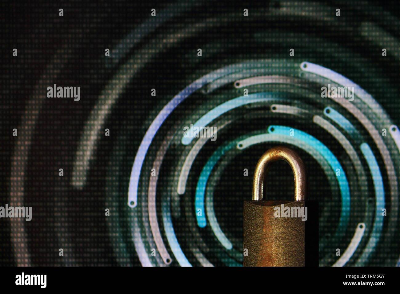 Vorhängeschloss verschlossen. vorhängeschloss vor kreisförmige Unschärfe-Effekte im bokeh Licht gelegt. digitalen Computer und Internet Thema Sicherheit Konzepte. Cyber Security und Vir Stockfoto