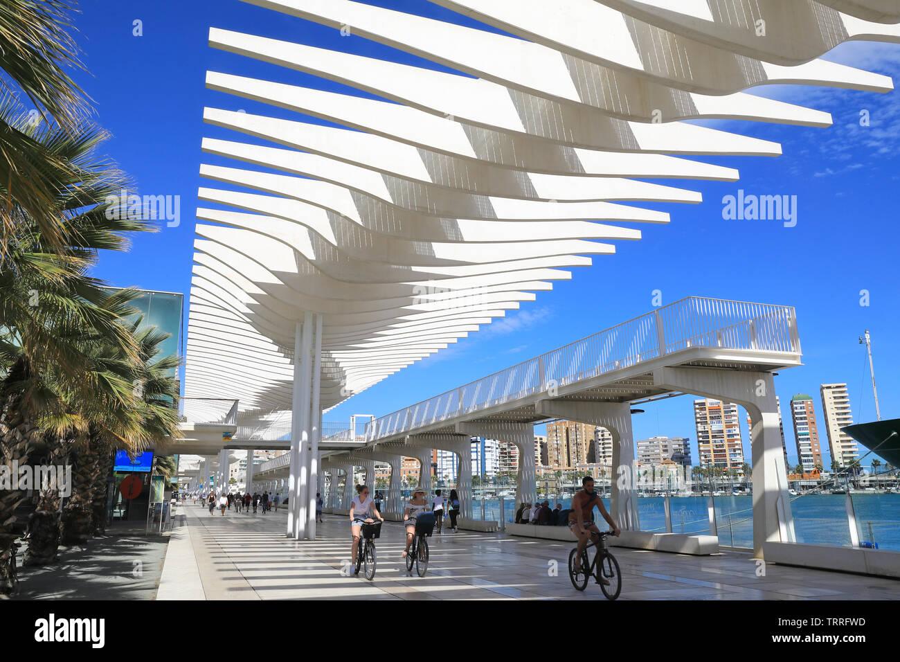 Palmeral de las Sorpresas, die moderne Hafenpromenade im ...