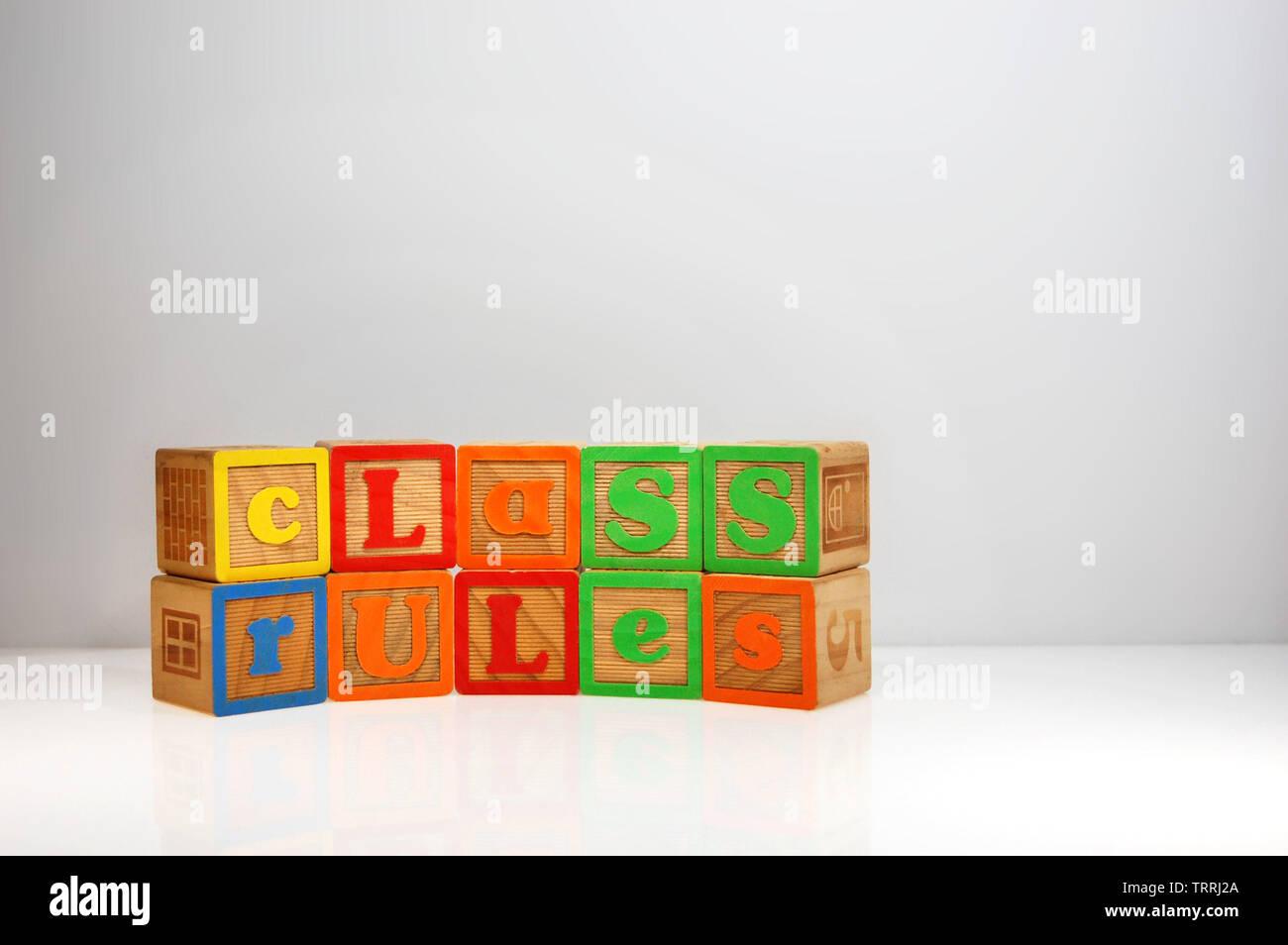"""Stilisierte Schuß von """"Regeln"""", die Sie mit ABC Blocks geschrieben. Stockfoto"""