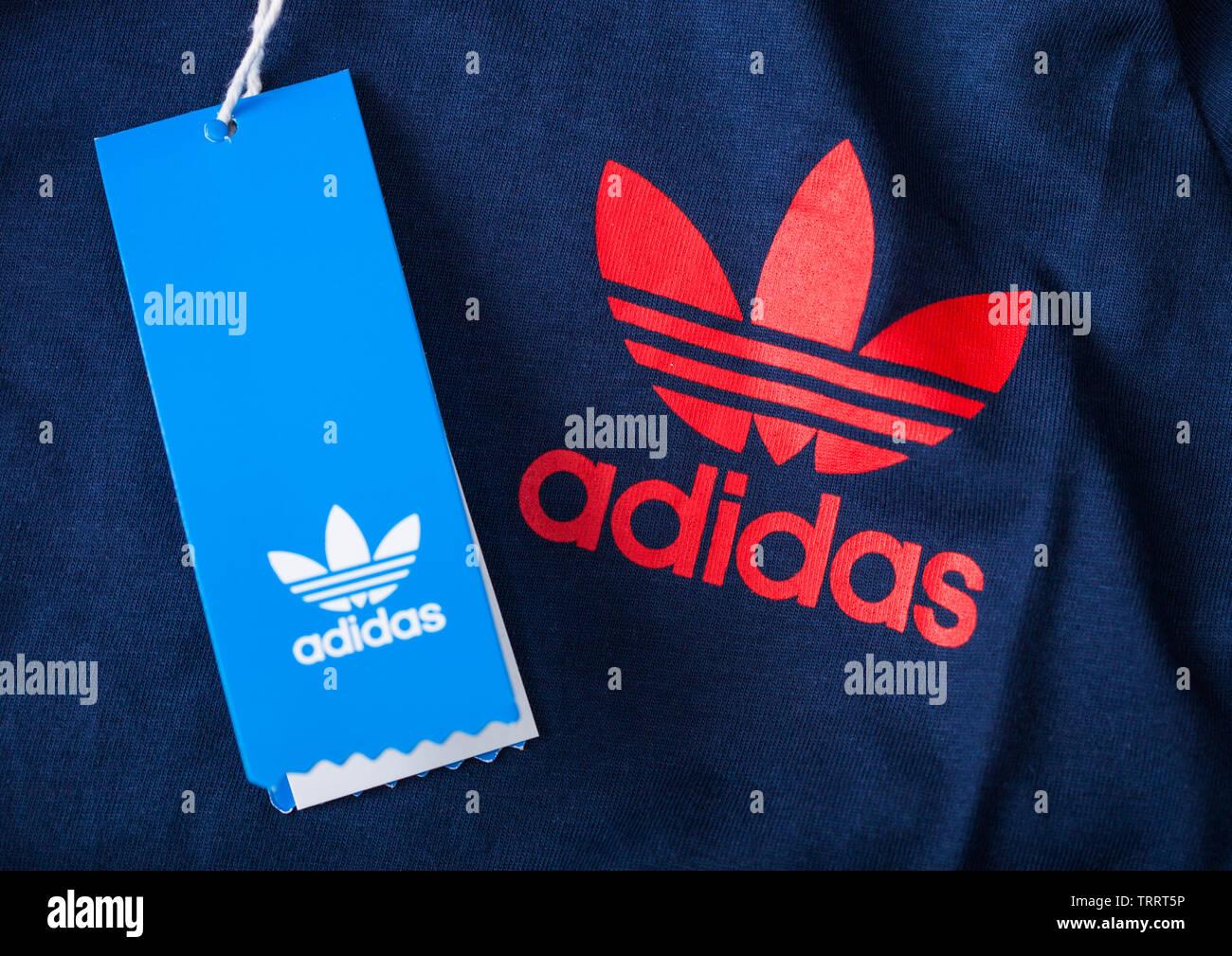 Adidas Originale Stockfotos & Adidas Originale Bilder Alamy