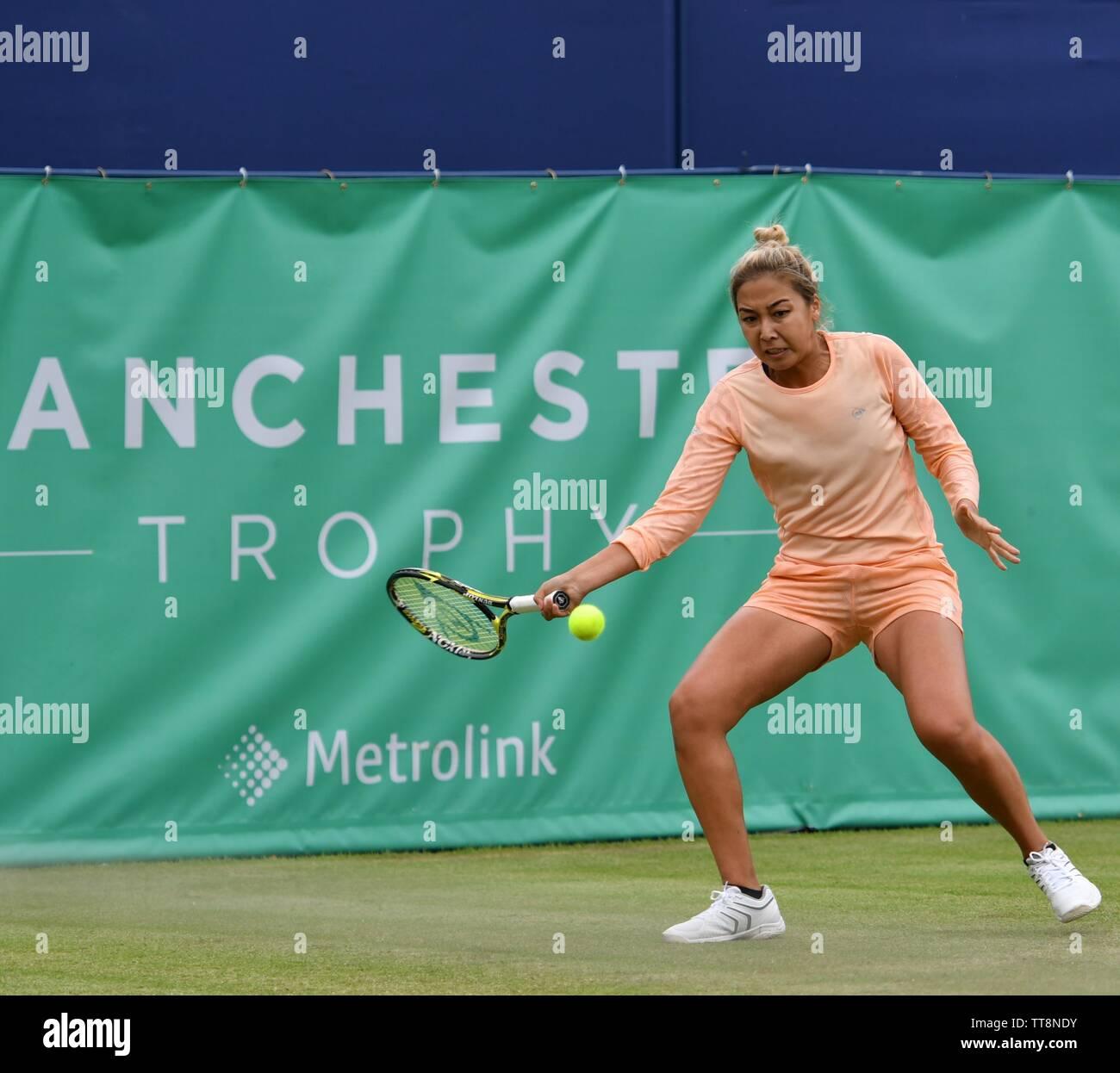 Manchester UK 15 Juni 2019 Zarina Diyas (Kasachstan), die Zahl 3 Samen beats Madison Brengle (USA), die Anzahl Samen 2, 6-1, 7-5 im Halbfinale der Manchester Trophäe gehalten an der Nördlichen Tennis und Squash Club, West Didsbury. Stockfoto