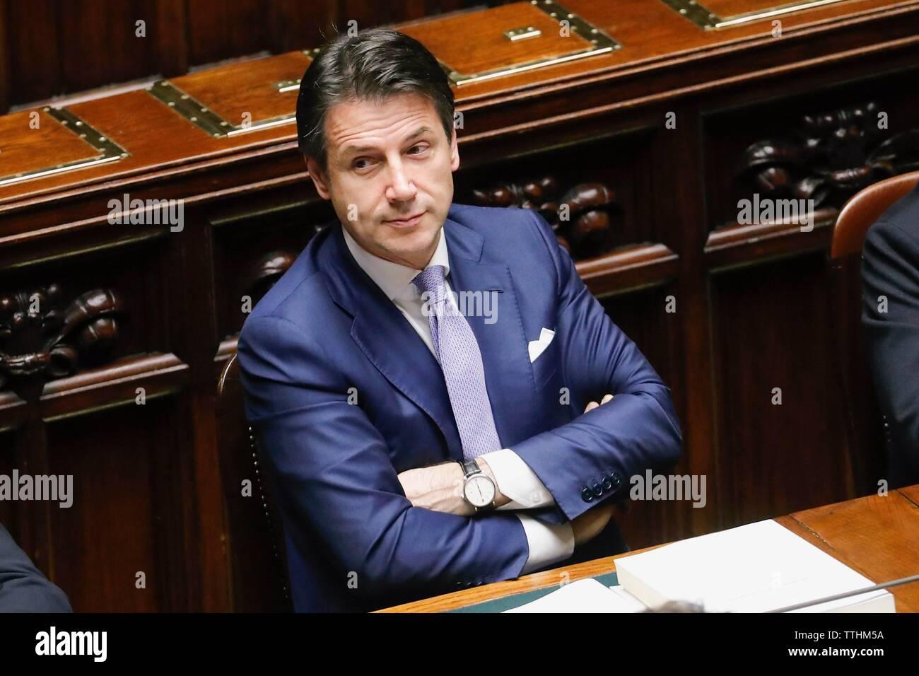 Ministerpräsident Giuseppe Conte in der Sitzung in die Kammer für das Vertrauen in die finanziellen Spielraum, Rom, Italien, 29/12/2018 Stockbild