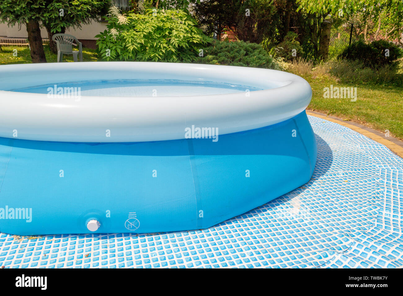 Round Swimming Pool Stockfotos & Round Swimming Pool Bilder ...