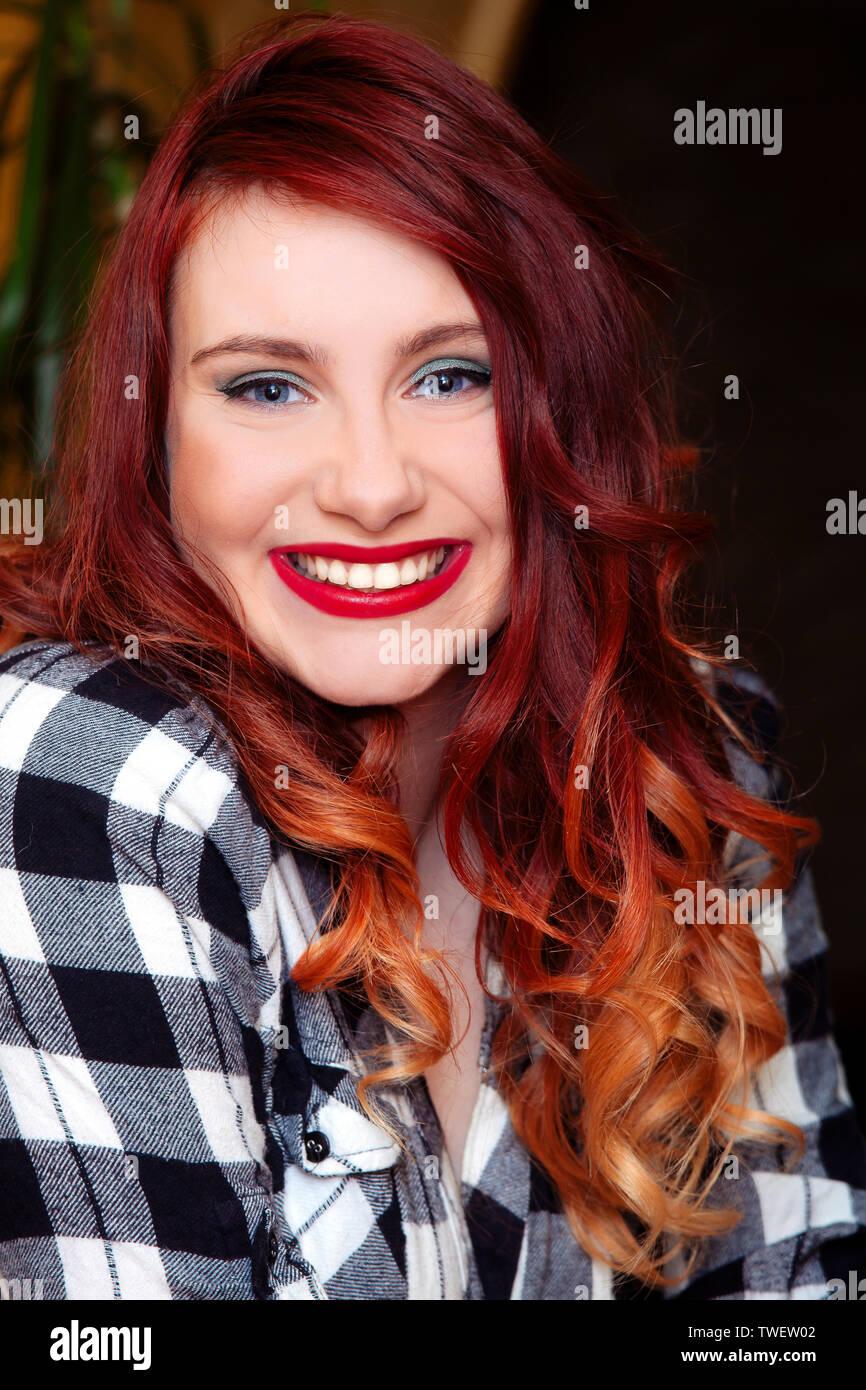 Portrait Girl Red Lips Blue Eyes Long Hair Stockfotos Portrait