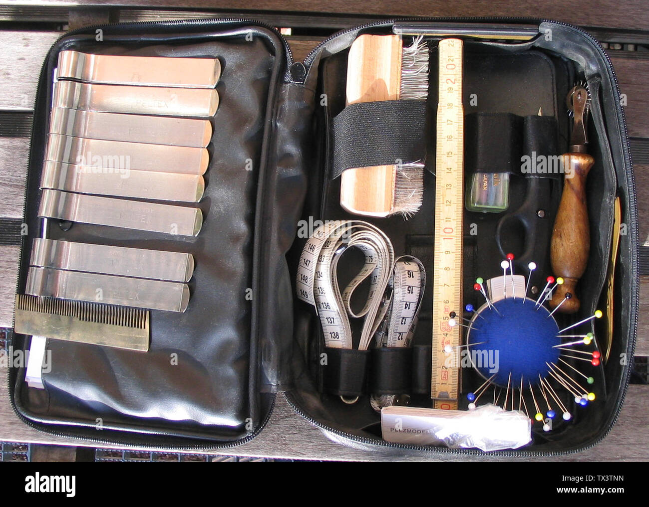 Deutsch Test Kürschnertasche Mit Handwerkszeug Für