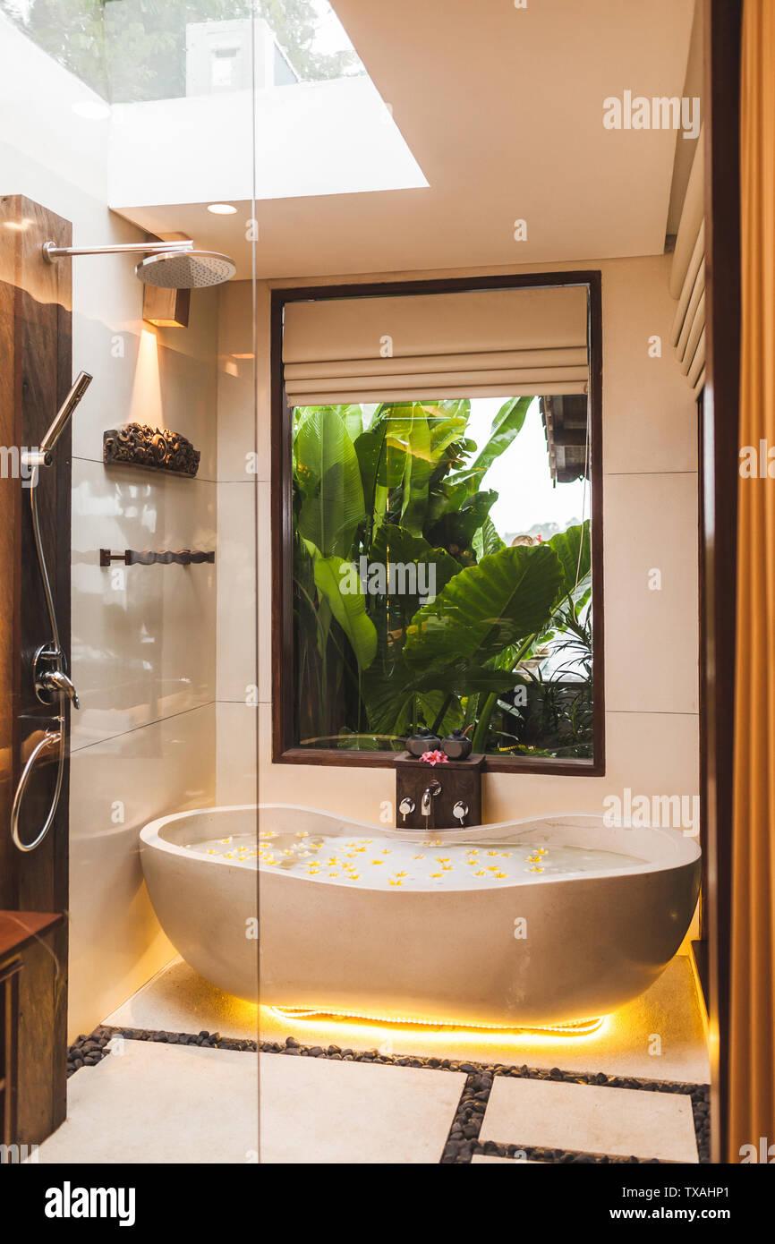 Tropisch Badezimmer Stockfotos Und Bilder Kaufen Alamy