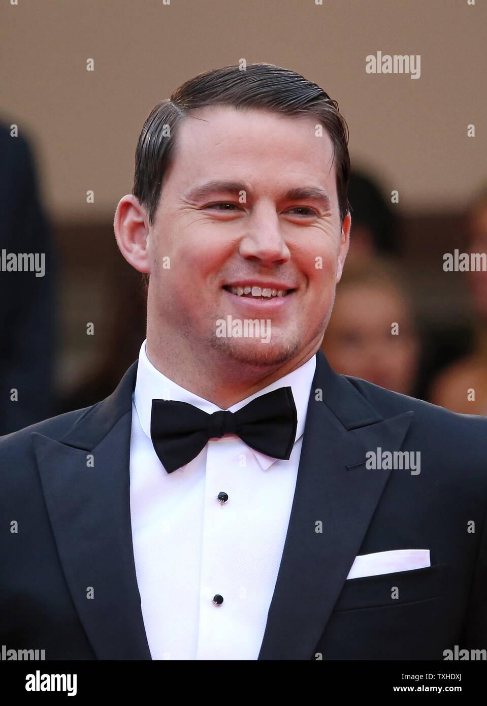 """Channing Tatum kommt auf den Stufen des Palais des Festivals vor der Vorführung des Films """"foxcatcher"""" während der 67. jährliche Internationale Filmfestspiele von Cannes in Cannes, Frankreich am 19. Mai 2014. UPI/David Silpa Stockfoto"""