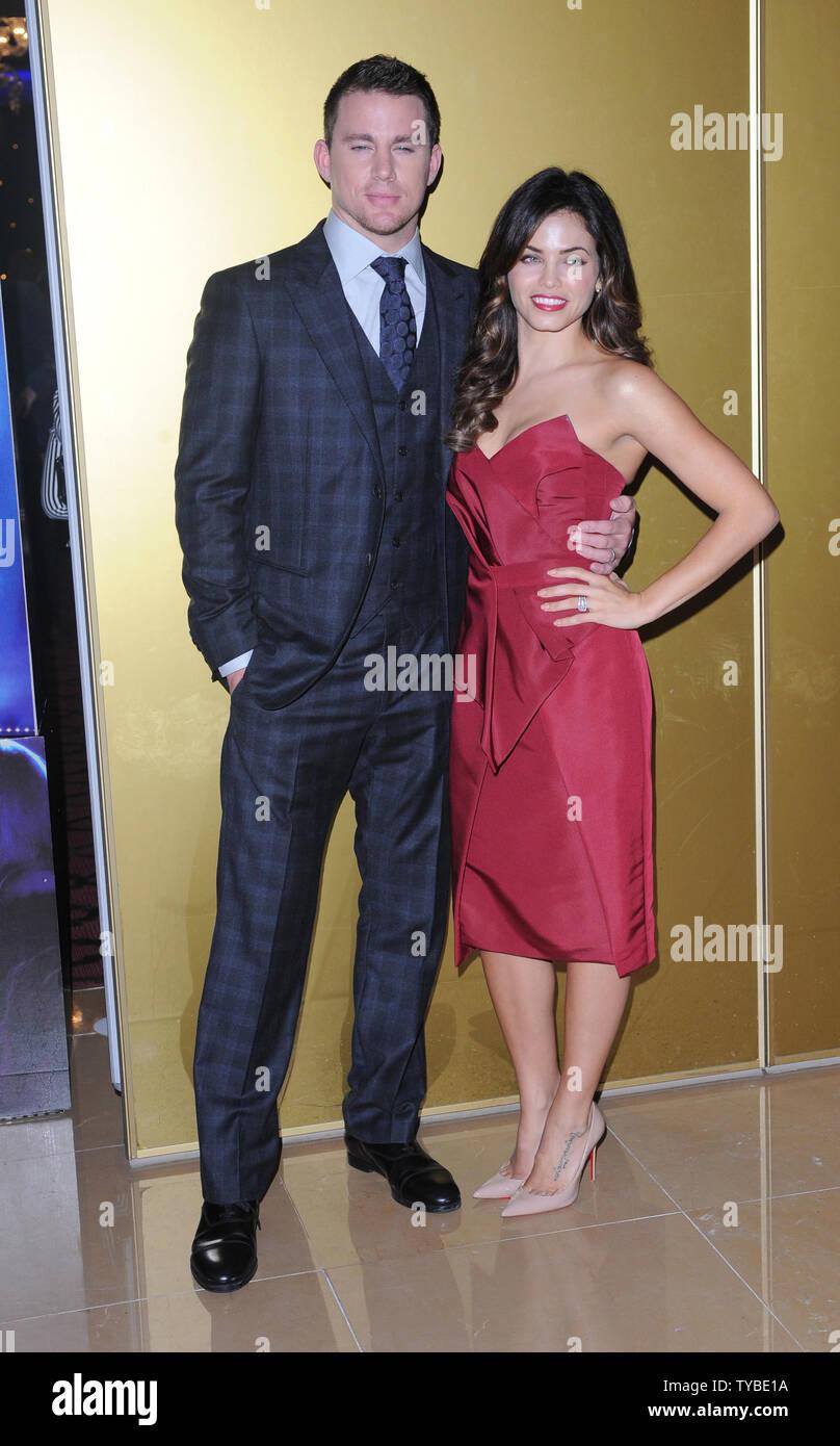 Amerikanischer Schauspieler Channing Tatum und seiner amerikanischen Schauspielerin und Tänzerin Frau Jenna Dewan teilnehmen Die Europäische Premiere von 'Magic Mike'im Mayfair Hotel in London am 10. Juli 2012. UPI/Paul Treadway Stockbild
