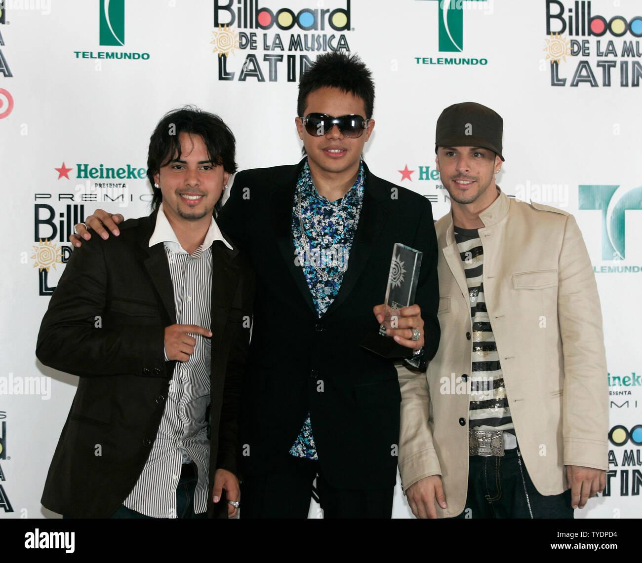 Phillips Toons feiert den Gewinn der Hersteller des Jahres ausgezeichnet, backstage bei den Latin Billboard Awards 2007 an der BankUnited Mitte in Coral Gables, Florida am 26. April 2007. (UPI Foto/Michael Busch) Stockbild