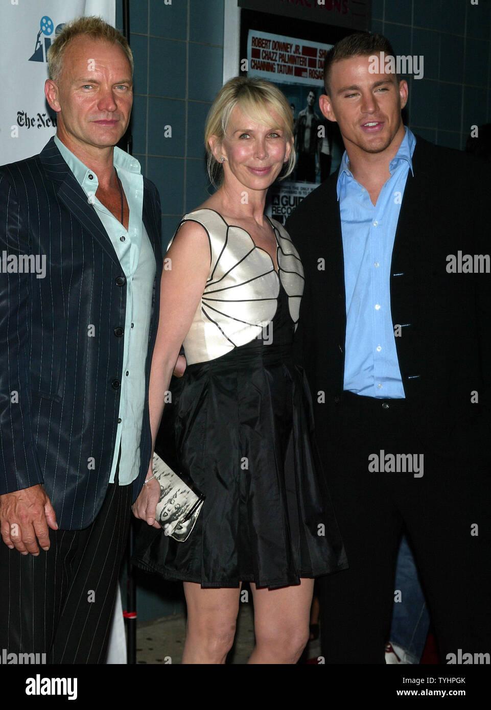 """Sting, Trudie Styler und Channing Tatum (rechts) kommen für die Premiere von """"ein Leitfaden für die Erkennung ihrer Heiligen im Chelsea West Kinos in New York am 18. September 2006. (UPI Foto/Laura Cavanaugh) Stockbild"""