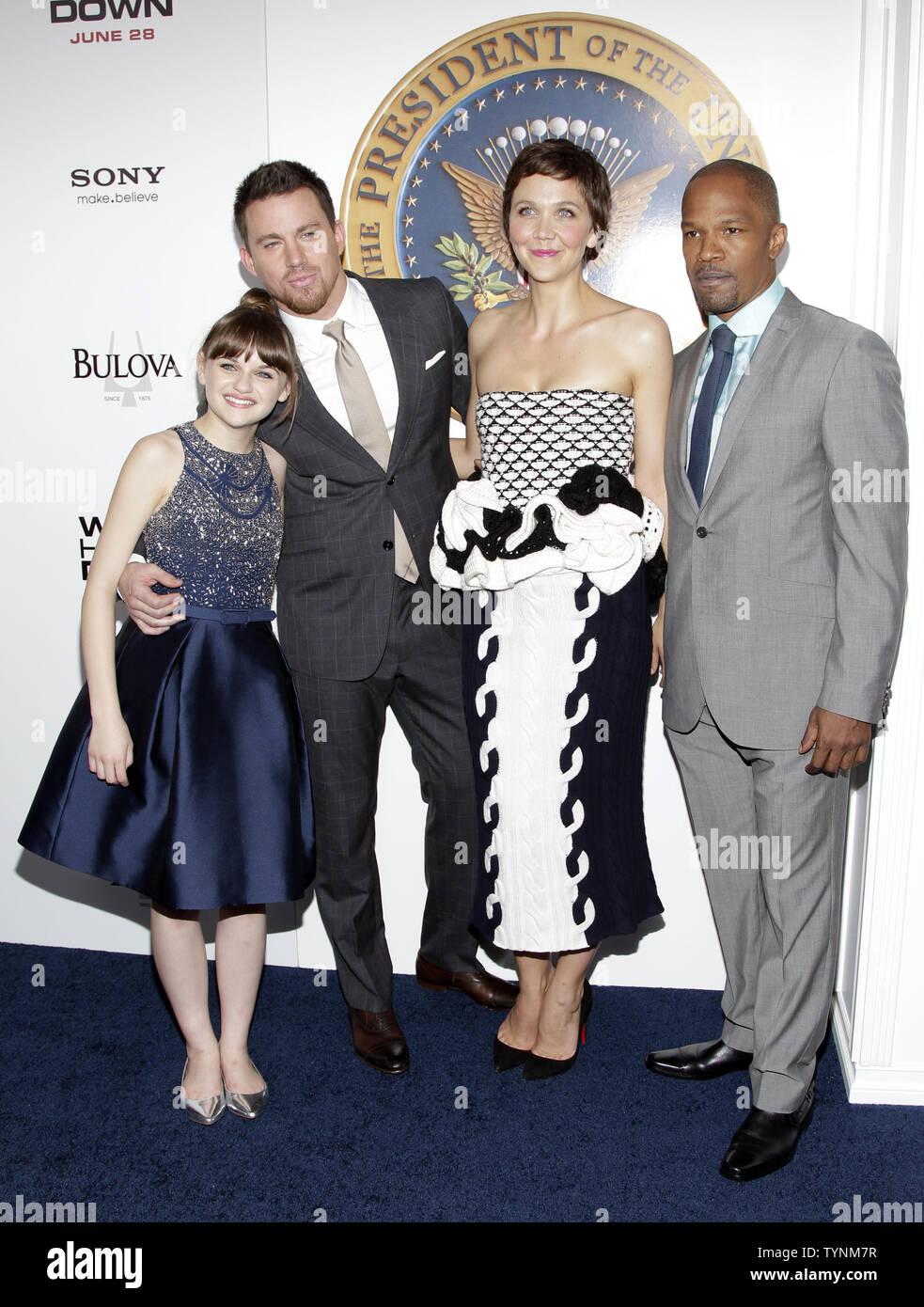Joey King, Channing Tatum, Maggie Gyllenhaal und Jamie Foxx ankommen auf dem roten Teppich bei der Premiere von 'Weißen Haus' im Ziegfeld Theatre in New York City am 25. Juni 2013. UPI/John angelillo Stockbild