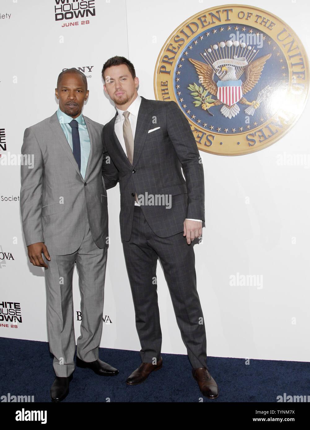 Jamie Foxx und Channing Tatum ankommen auf dem roten Teppich bei der Premiere von 'Weißen Haus' im Ziegfeld Theatre in New York City am 25. Juni 2013. UPI/John angelillo Stockbild
